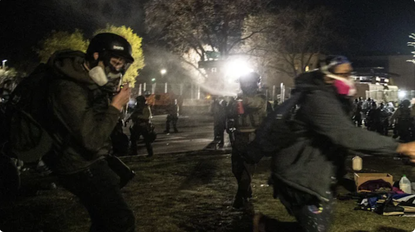 """""""Chilling"""": Minnesota governor denounces alleged police violence against media"""